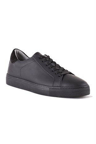 Verona Matte Black Men Sneaker