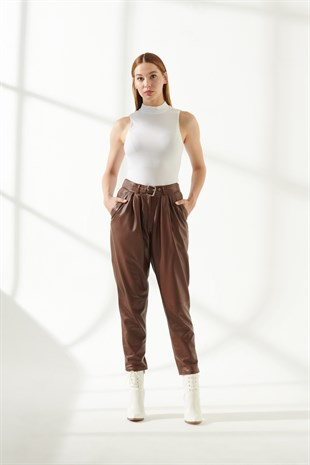 Gracie Women Brown Pleated Pants